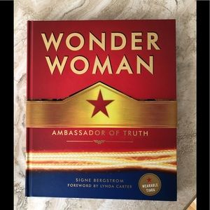 NEW Wonder Woman Ambassador of Truth 2017 Book